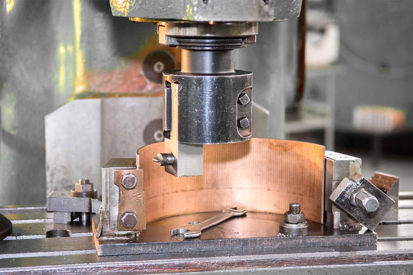 Приспособление для фрезеровки внутренних поверхностей вкладышей